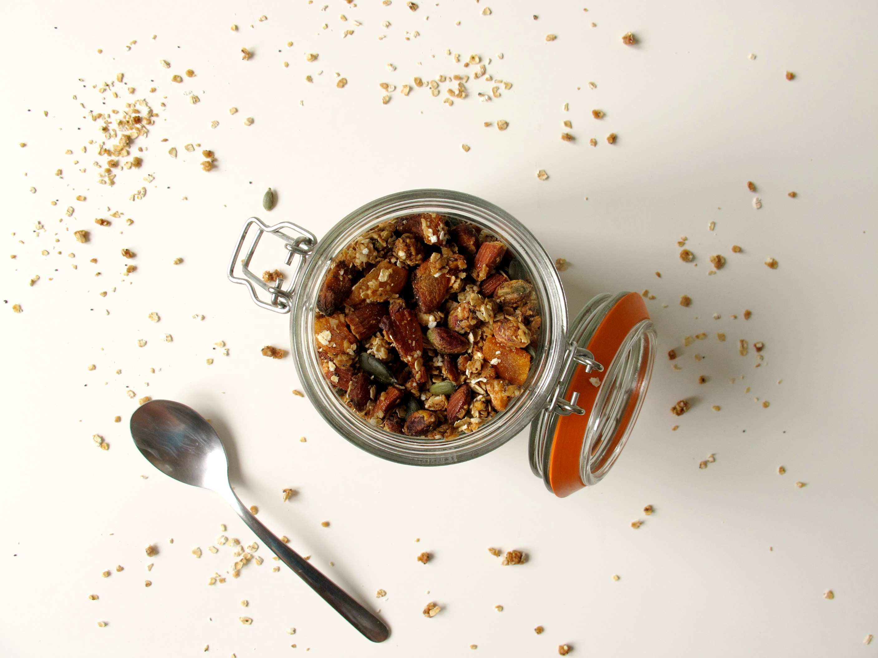granola recipe print caramelised almond apricot and pistachio granola ...