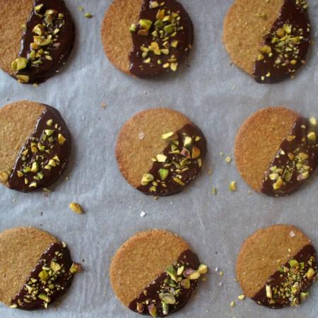 Salted Pistachio and Dark Chocolate Digestives