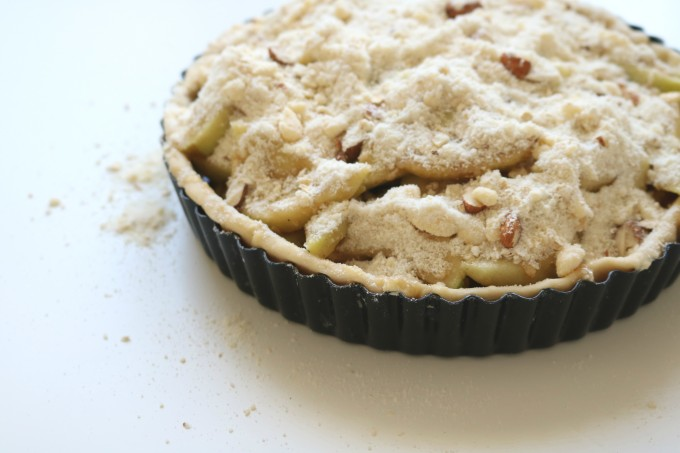 Bourbon Apple Almond Crumble Pie